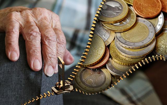 Riscossione coattiva di contributi previdenziali – Ordinanza del 18.04.2018 del Tribunale di Lecce: il periculum in mora si può ricavare dalla ingente somma degli importi dovuti